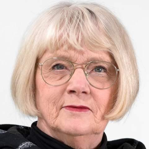 Lena Grund (L)